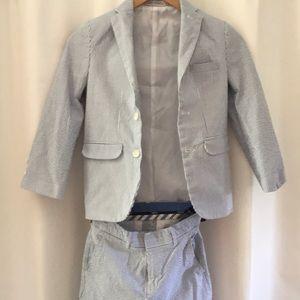 Suit for boys in classic seersucker